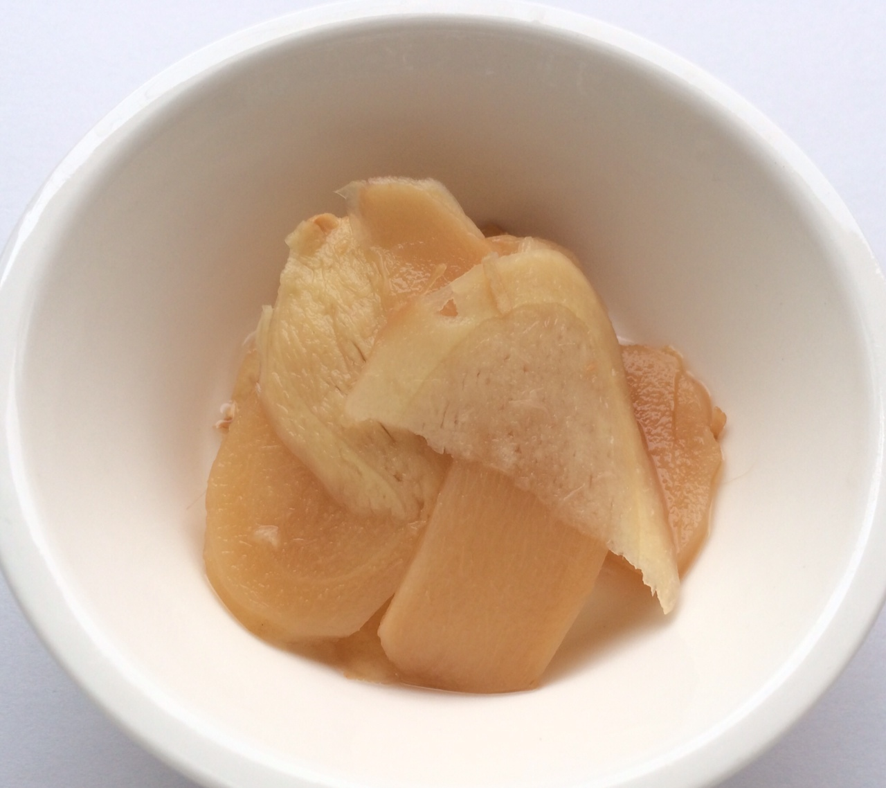 人工甘味料がたくさんの生姜の甘酢漬け(ガリ)