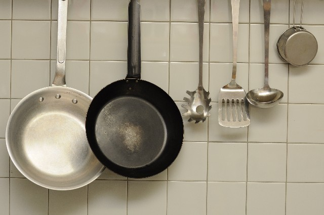 要注意!フッ素樹脂加工の鍋・フライパンに毒ガス発生の恐れ