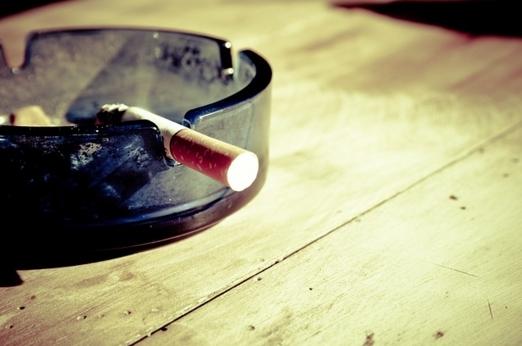 副流煙が子供に与える障害、PM2.5とタバコは同じ怖さ?