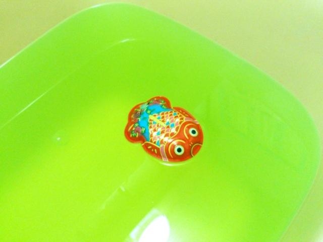 入浴剤と金魚