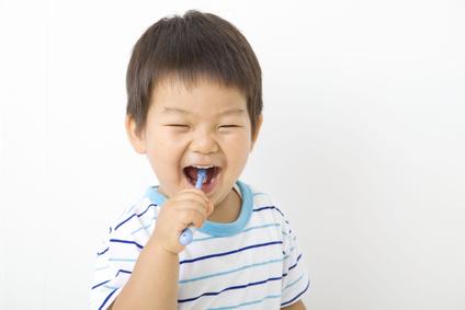 体に悪い薬用歯磨き粉 健康の妨げになる成分がたっぷり