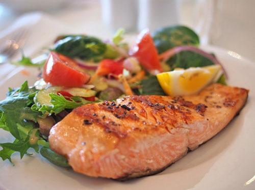 チリ産の鮭の安全性は大丈夫か?抗生物質まみれの危険性