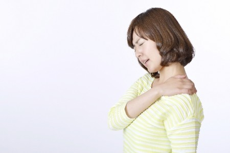 肩こり、筋肉痛の薬の添加物は有効成分より多い場合も…