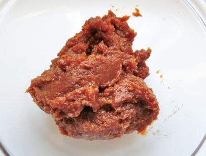 味噌は出汁入りや無添加ではなく、酵素が生きているものがおすすめ