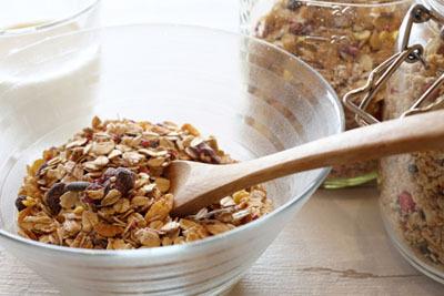 乾燥果実入りシリアルは無漂白で添加物の少ないものを選ぼう